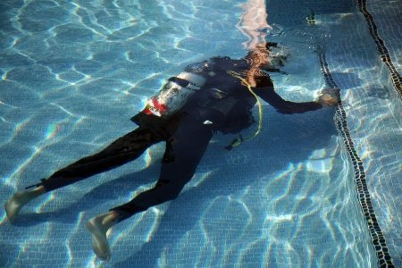 Pool Diver - leak detection