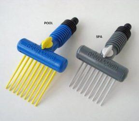 Aquacomb filter cartridge cleaner